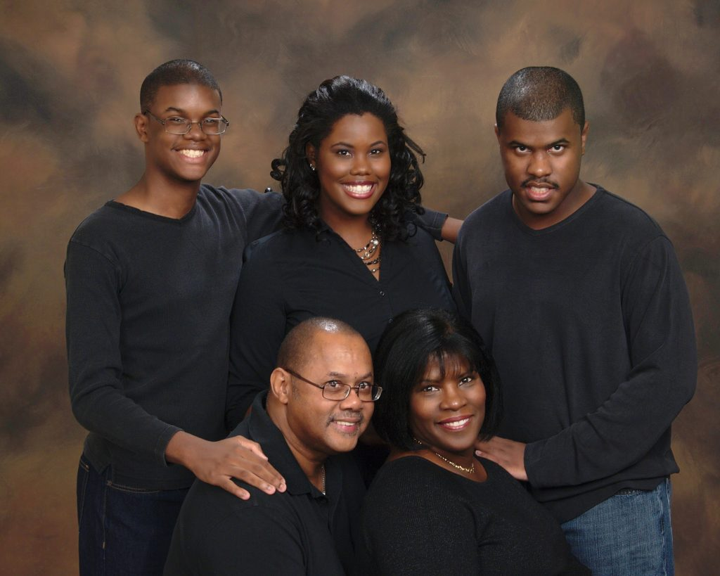 Carolyn Hayer with son Chris and their family